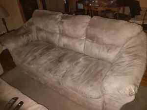 Free Couch -pick up only