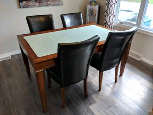 Set de table de cuisine avec 6 chaises