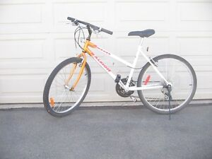 Woman's Mountain Bike, 24 inch wheel, 21 speed