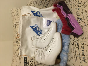 """FIGURE SKATES """"RISPORT EXCELLENCE"""" ONLY USED 1 SEASON, LIKE NEW!"""