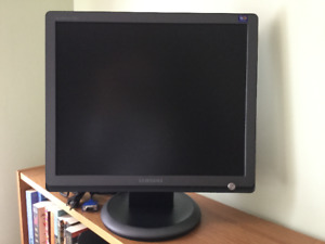 "Samsung SyncMaster 931BF LCD 19"" Colour Display Monitor"