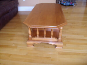 ROXTON SOLID MAPLE COFFEE TABLE & END TABLE