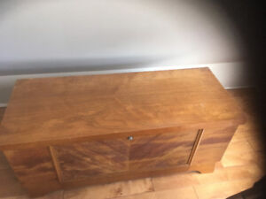 Lane Cedar Hope Chest/Coffee Table