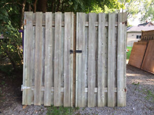 Fence with Gate - 17.5 feet total width