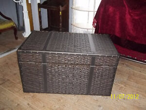 Cappuccino Resin Wicker Trunk (Large)