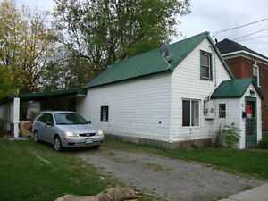3 bedroom CUTE HOUSE in Smiths Falls