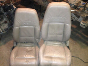 Tan leather Ford Explorer seats