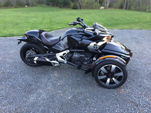 2015 Can-Am Spyder F3-S, Chrome Addition