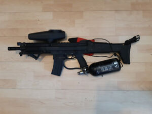 Tippmann X7 Paintball + Assault Stock and Sights et plus