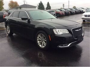 2016 Chrysler 300 Touring Windsor Region Ontario image 6