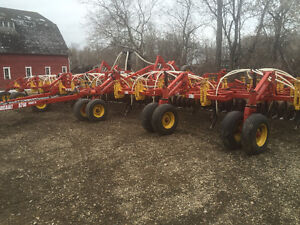 2005 Bourgault 5710 air drill.54 ft Low acres.