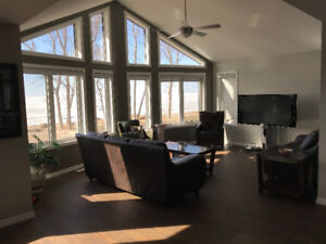 Twin Lakes Beach -  Cabin Rental - Lake Manitoba Lakefront 1 hr