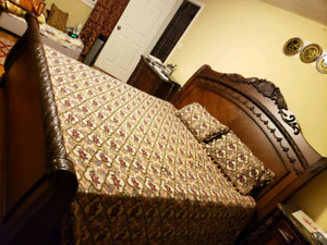 Absolutely gorgeous king bedset