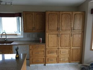Full Set of Cabinets & Granite Counter Tops
