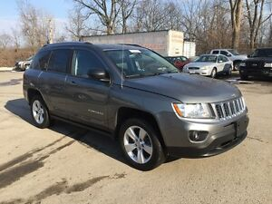 2012 JEEP COMPASS SPORT/NORTH * 4WD * LOW KM * $0 DOWN LOANS London Ontario image 8