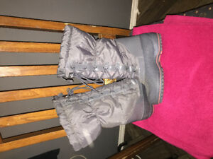 Brand new Grey knee high winter Thinsulate boots.