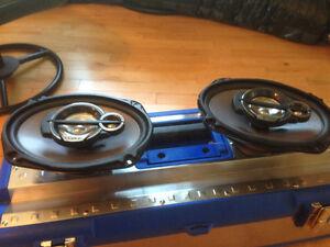 """6x9"""" Series 3-Way Coaxial Speaker Power Handling: Peak: 450"""