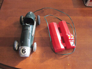 ANTIQUE MODEL CAR-battery operated