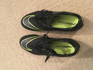 Men's Nike Soccer Cleats Size 7.5