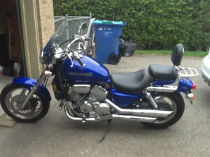 Mint 2003 750 honda magna with saddle bags...2800$