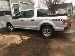 2015 Ford F-150 SuperCrew Silver Pickup Truck