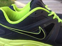 Nike running trainers size 9