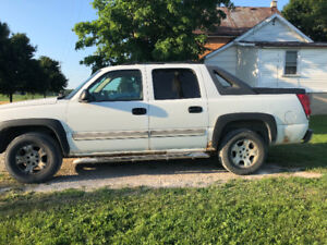 2004 Chevy Avalanche firm