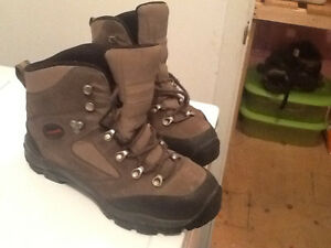 Kamik unisex winter/snow boots -(514)694-8553