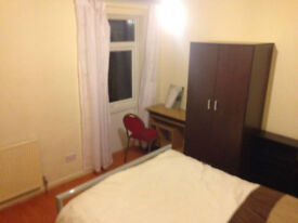 *RENT REDUCTION* ROOMS AVAILABLE NOW IN SHIRLEY-All Bills inc-Near High Street & Train Station-£90pw