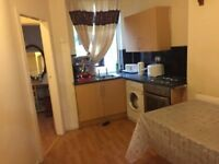 1 bed flat, close to university, hospital, city centre transport, all amenaties, Victoria park