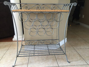 Wire wine rack with table top