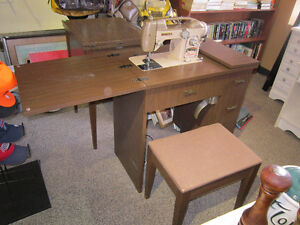 WHITE Sewing Machine & Matching Table With Bench