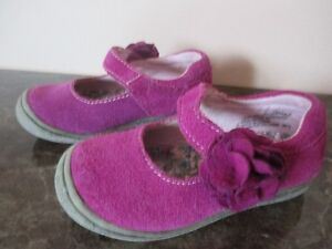 BABY GIRL SHOES- SIZE 6 (18-24 MONTHS)