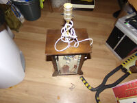 selling a wooden lamp