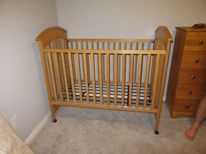 Wood Crib - 3 levels for mattress Kitchener / Waterloo Kitchener Area image 1