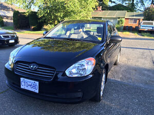 2011 Hyundai Accent GLS Sedan GREAT CONDITION and NO ACCIDENTS