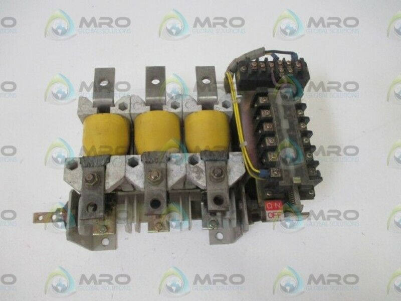 TOSHIBA M701961B1A VACCUM CONTACTOR * USED *