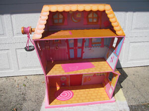 LALALOOPSY SEW MAGICAL HOUSE WITH PET ELEVATOR Kingston Kingston Area image 2