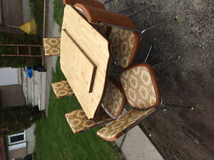 Kitchen Table, Leaf & 6 Chairs