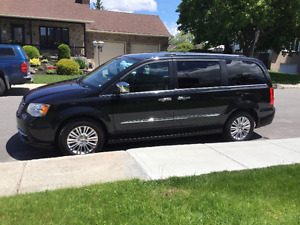 2013 Chrysler Town & Country Fourgonnette, fourgon