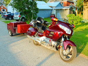 REDUCED From $13,995 Goldwing 2006, Loaded with Trailer & Cooler