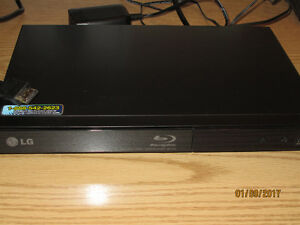 LG Blue Ray Player with front USB port and HMDI cable