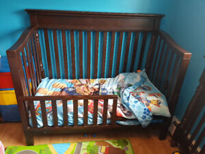 crib/toddler bed and matching dresser