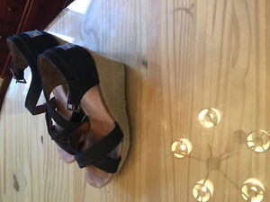 Toms size 9 wedge sandals - great condition, hardly worn