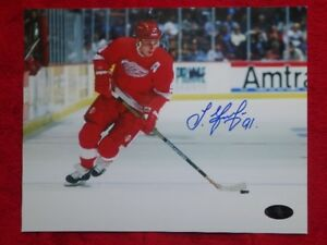 SERGEI FEDOROV Detroit Red Wings Signed 10 x 8 Photo With COA