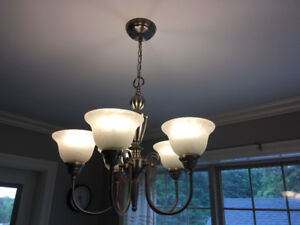 five light chandelier with 2 matching pendant lights