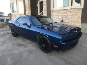 2010 Dodge Challenger RT, Low Kms!