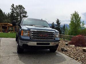 2014 GMC Sierra 2500 SLE 4X4 Pickup Truck