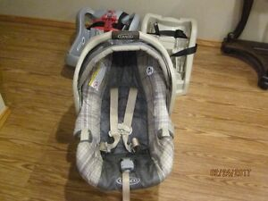Graco SnugRide 30 Car seat with two Infant Restraint Bases