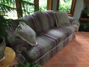 Beautiful Sofa by Decorest
